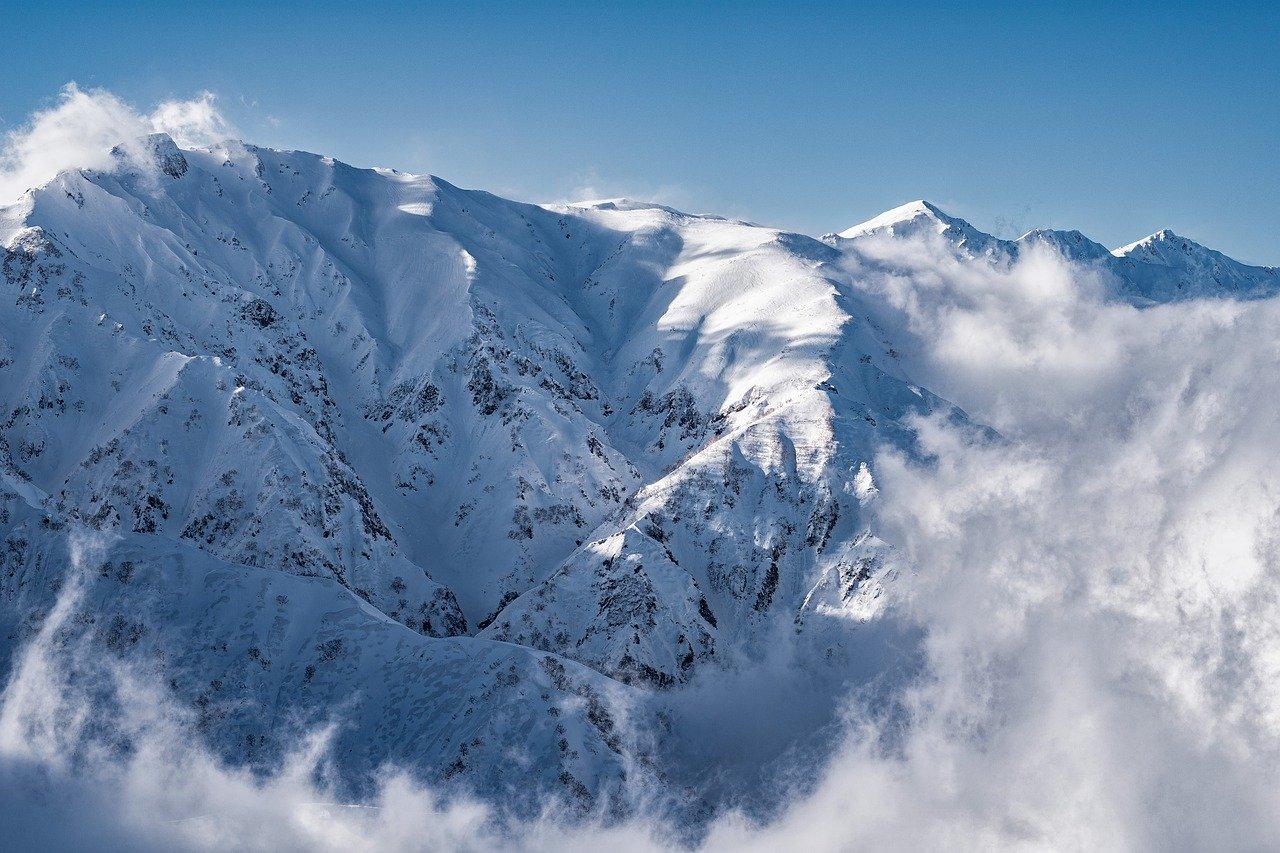 北海道羊蹄山|スノーボード遭難男性の名前や顔画像は?事故現場や原因は?